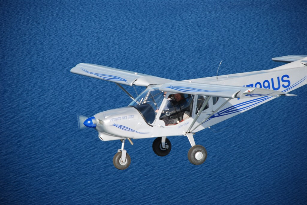Zodiac 750, STOL flying above the water